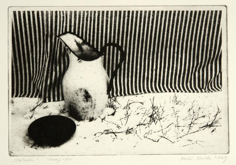 """imagon \""""Vaikelu triibulise riidega\"""" / \""""Still-life with striated fabric\"""""""